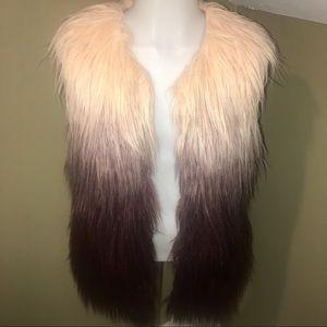 Women's Ombré Faux Fur Vest/SZ M (Junior)